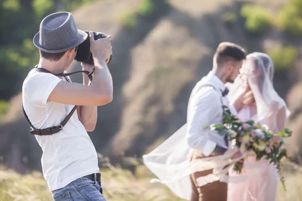 כמה עולה חתונה צלם אירועים