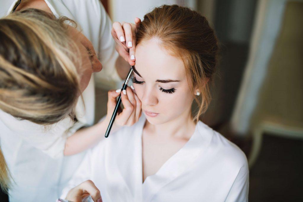 כמה עולה חתונה: מעצבת שיער