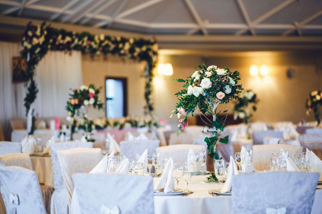 כמה עולה חתונה: אולם אירועים