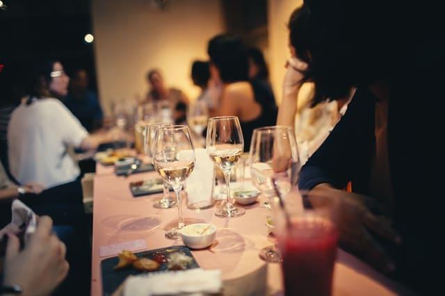 מסיבת רווקות בבית