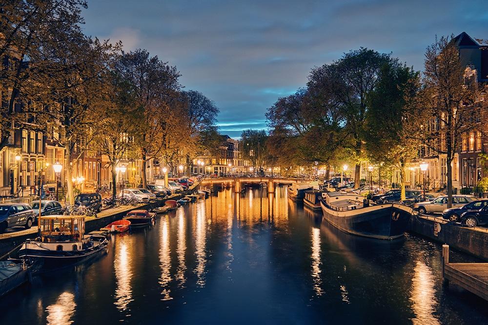 חתונה אזרחית באמסטרדם